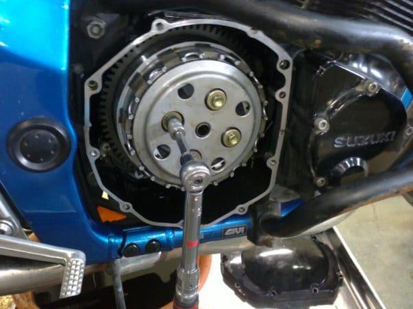 clé dynamometrique moto