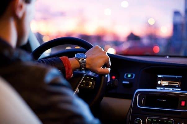 Entretien auto : pièces auto, pneus, révisions