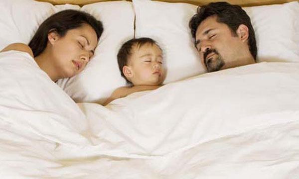 Évitez qu'il investisse dans le lit conjugal